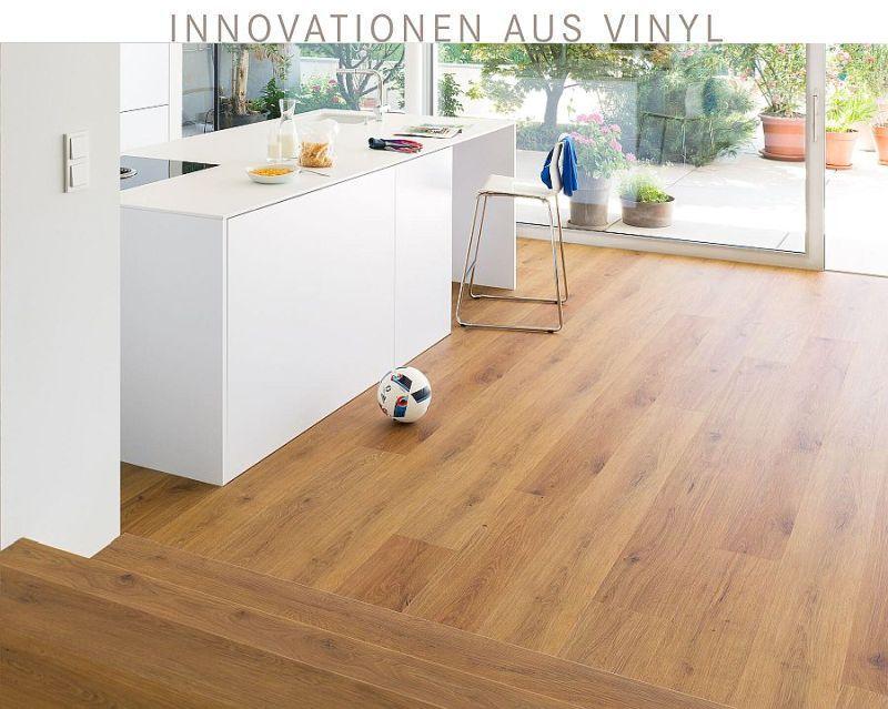 tilo vinyl verlegt ein einer Küche mit angrenzender Treppe